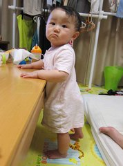 赤ちゃんのつかまり立ち