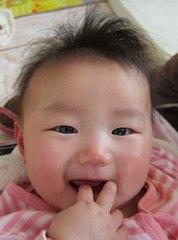 赤ちゃんの笑顔の写真
